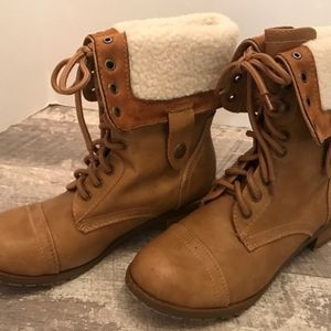 Soda adjustable height fleece lined booties